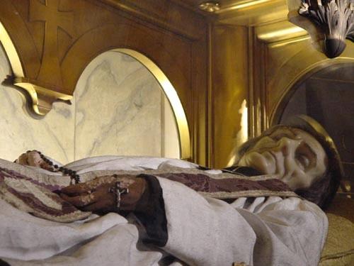 Fenomenos paranormales y milagros de los santos olores de for Disegni della casa del merluzzo del capo